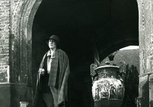 Vita Sackville-West by John Gay, 1948. Courtesy of Garden Museum
